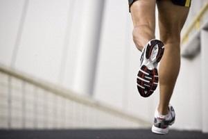 Los corredores disminuyen un 20 % la velocidad, cada 10 años