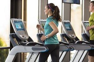 La actividad física regular reduce el gasto en salud
