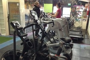 Black Swan de Neuquén incorporó equipos de Impact Fitness