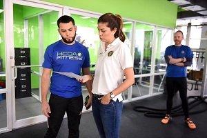 Orientan a dueños de gimnasios sobre reglamentos