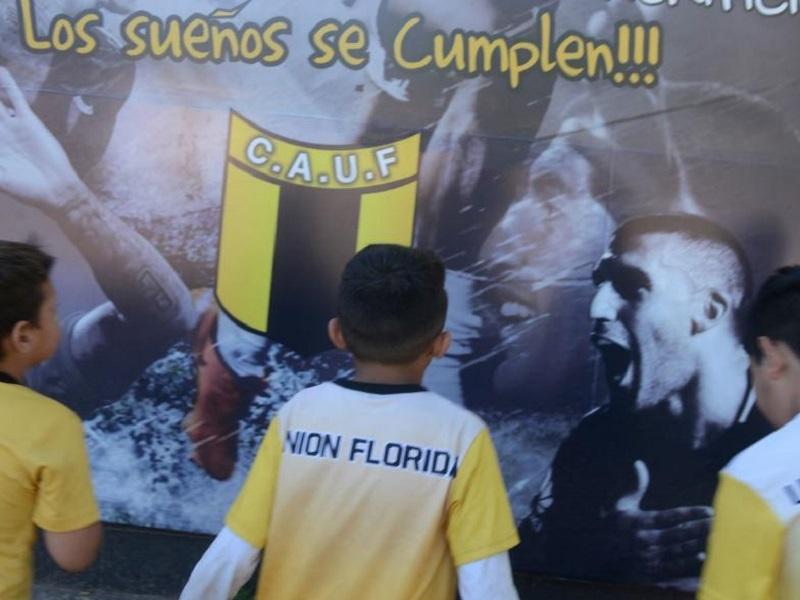 """Gracias a """"Wanchope"""" Ábila el club Unión Florida tendrá su gimnasio"""