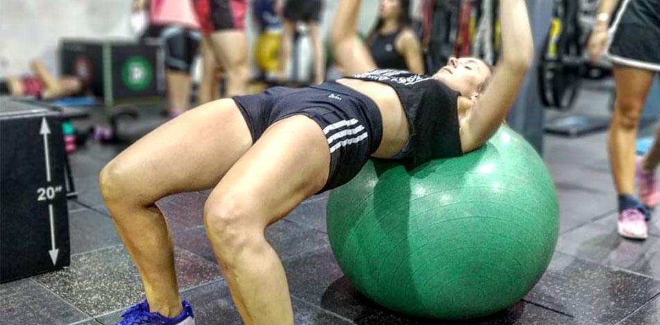 Mundo Gym, de Rosario, redecoró sus instalaciones con una artista