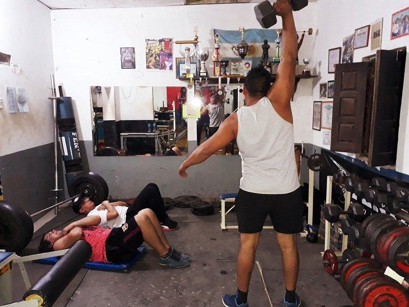 El Negro Pons agrandó su gimnasio en Pampa de los Guanacos