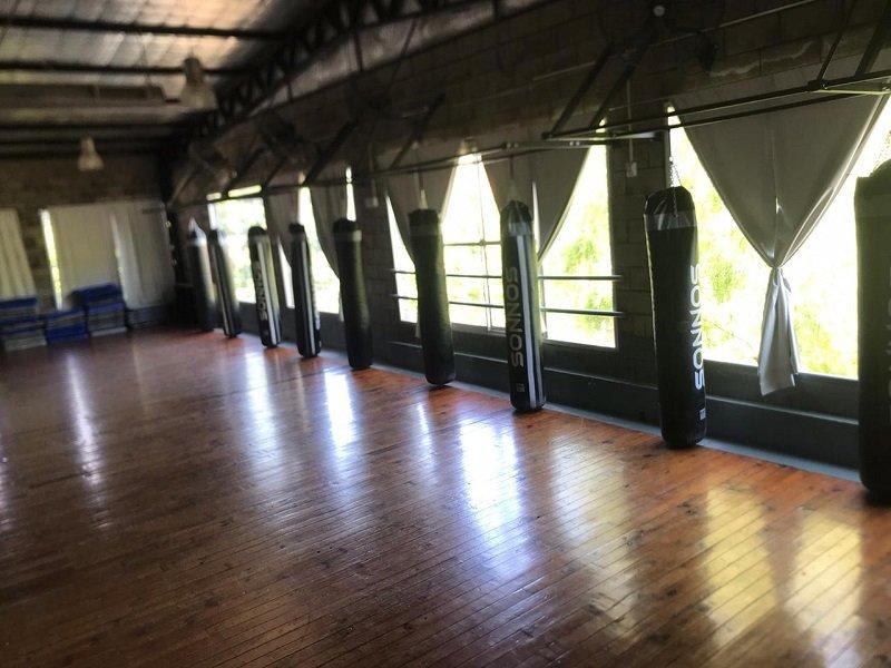 El gimnasio Vía Amarelo, de Haedo, suma clases de boxeo funcional