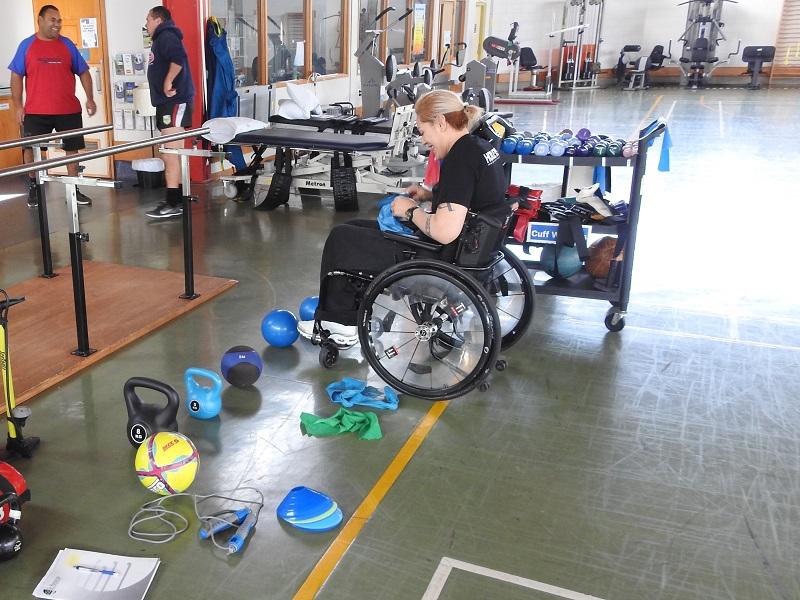 Estudiantes diseñan un gimnasio para personas con discapacidad