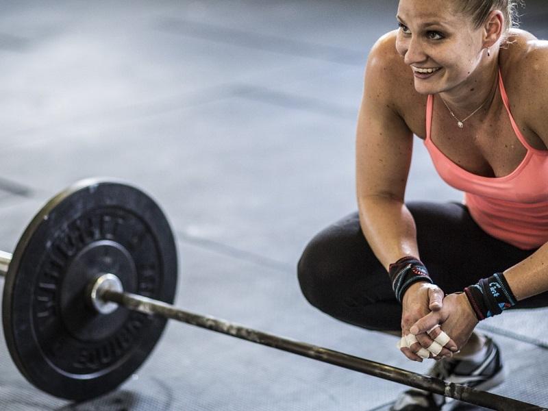 En mujeres, la frecuencia del ejercicio impacta más en su fuerza