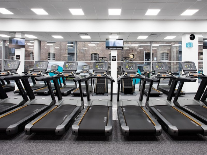 La cadena británica PureGym compró Fitness World