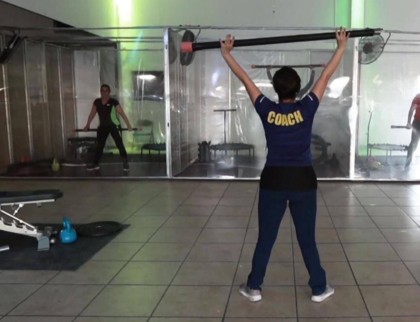 """En Ciudad Juárez, un gimnasio adaptó sus instalaciones y creó """"Covid Fitness"""""""
