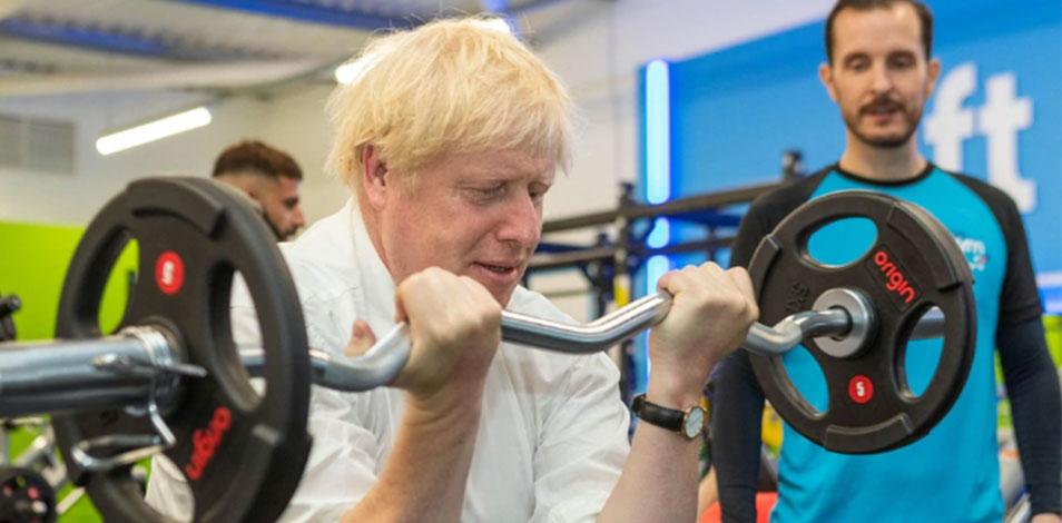 El Primer Ministro británico visitó de sorpresa un gimnasio en Londres