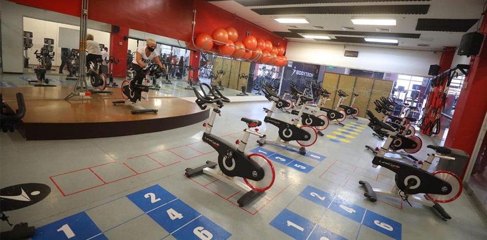 Los gimnasios peruanos son los únicos en el mundo que continúan cerrados desde marzo pasado