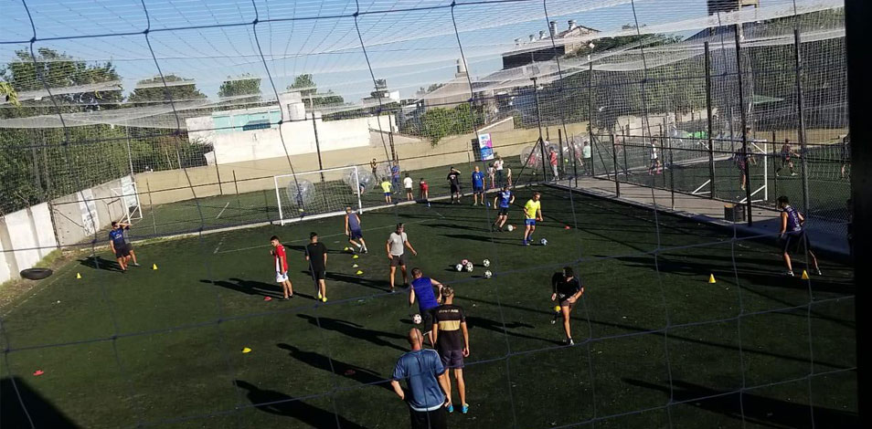 El gimnasio Biogym, de Morón, abrió un anexo con tres canchas de fútbol