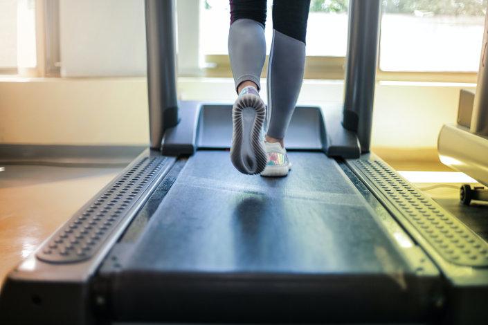 ¿Cómo elegir la cinta de correr ideal para tu gimnasio?