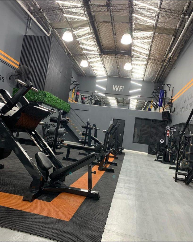 Se acaba de inaugurar el gimnasio WellFitness en Lanús