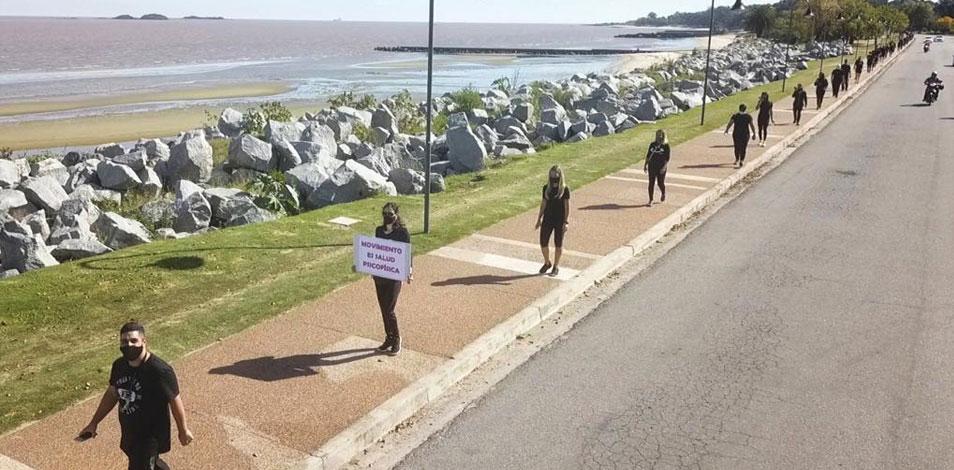 """Ayer se realizó una """"caminata por la salud"""" en Colonia del Sacramento"""