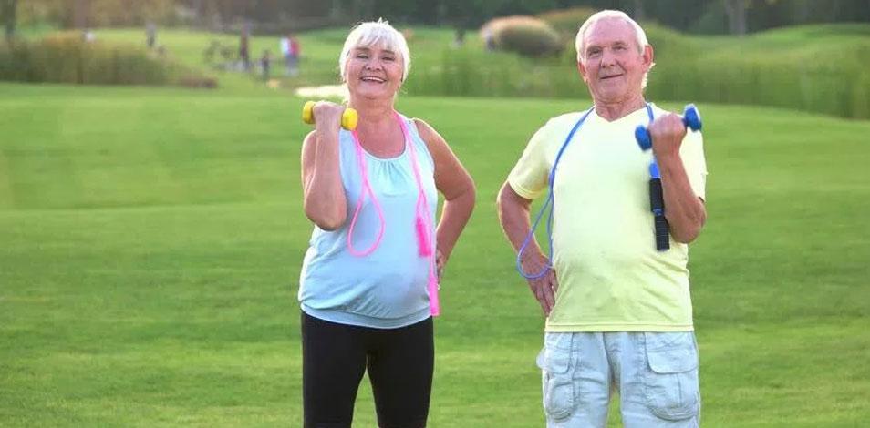 El ejercicio puede ayudar a adultos mayores con pérdida leve de memoria