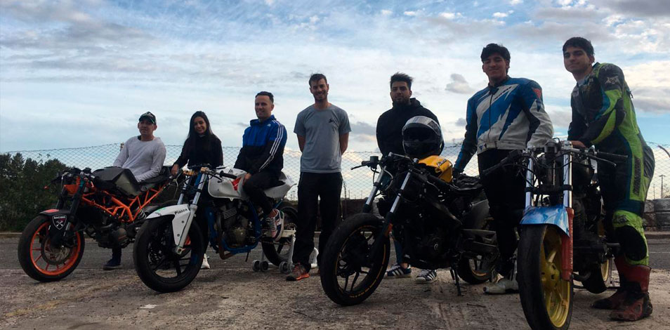 Presentan un programa de entrenamiento para pilotos de moto