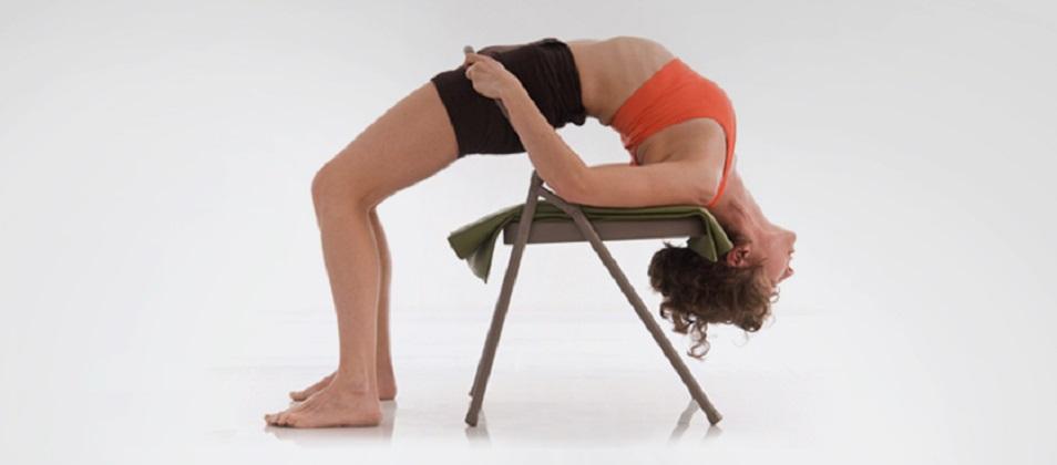 Taller del Uso de la Silla de Yoga, de Axa Yoga, Modalidad Online vía Zoom