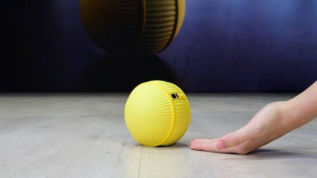 Samsung presentó el robot Ballie en el CES 2020