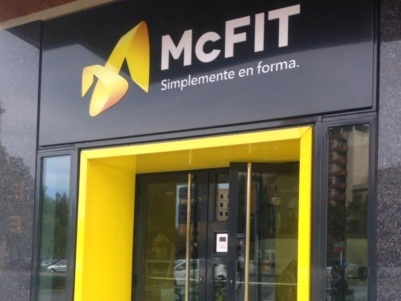 La cadena McFit es condenada en España por una publicidad sexista