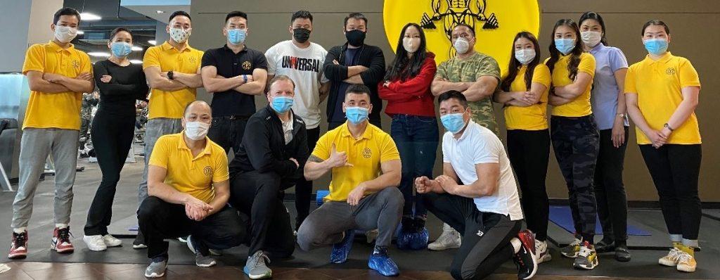 La cadena de gimnasios Gold's Gym reabrió su sede de Mongolia
