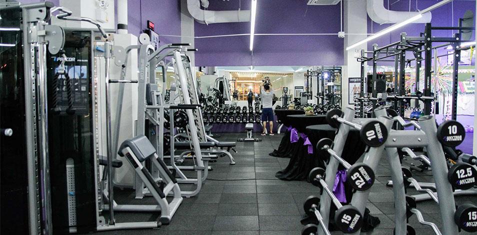 Los usuarios de gimnasios abiertos en Brasil dicen sentirse seguros dentro de las instalaciones de fitness