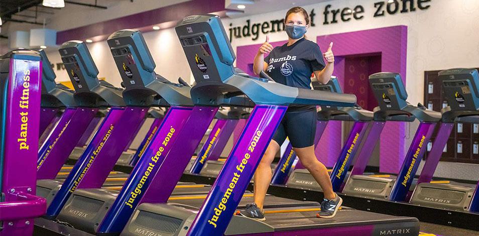 """Las franquicias de Planet Fitness obtuvieron la certificación de """"servicio esencial"""" en el condado de Kern, en California"""