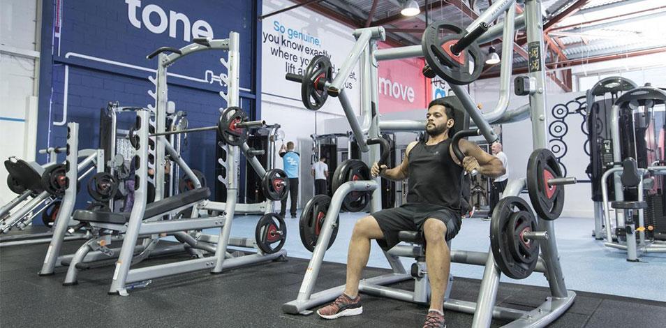 En el Reino Unido, 100 mil personas recibirán sesiones gratis de ejercicio físico en gimnasios