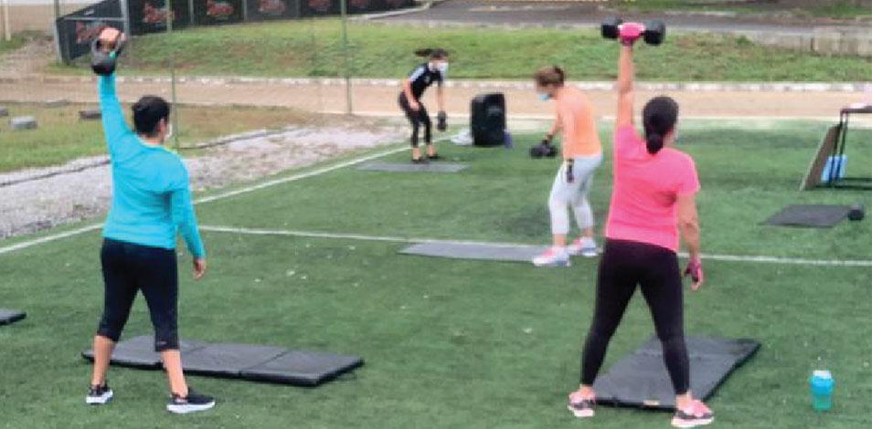 El gimnasio Sporta, de Guatemala, montó una sala de entrenamiento al aire libre para sus clientes