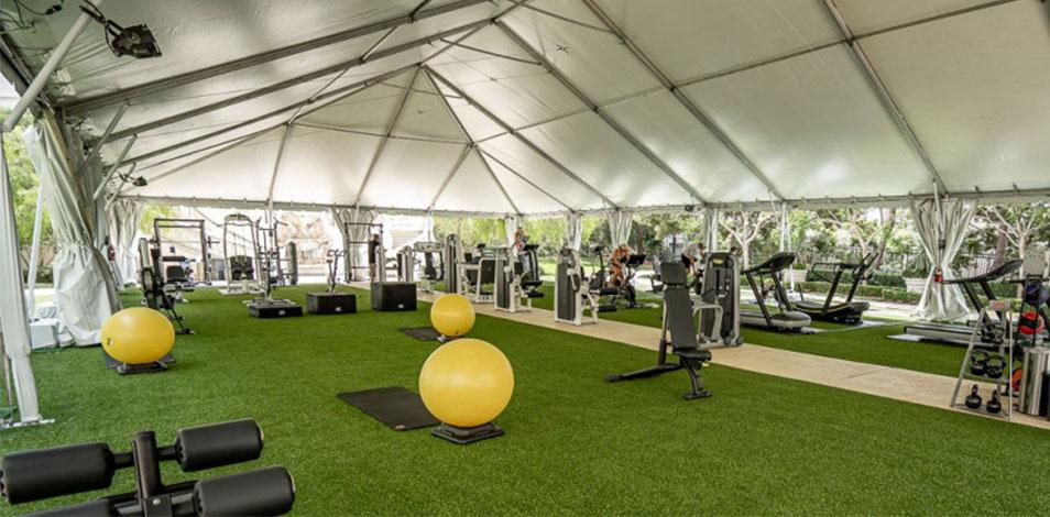 En Estados Unidos, algunas cadenas de gimnasios optaron por montar instalaciones al aire libre