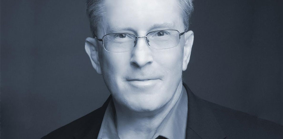 Falleció el consultor Stephen Tharrett, cofundador y director de ClubIntel