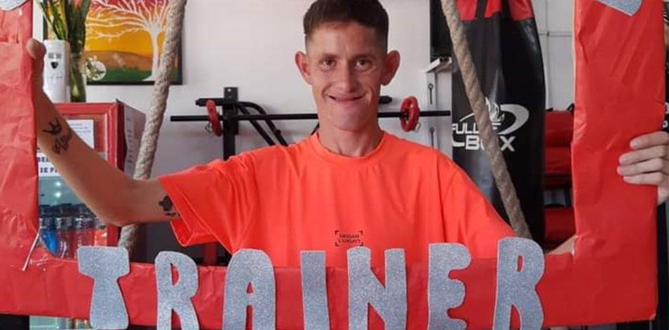 Un joven catamarqueño con parálisis cerebral completó el curso de entrenador personal