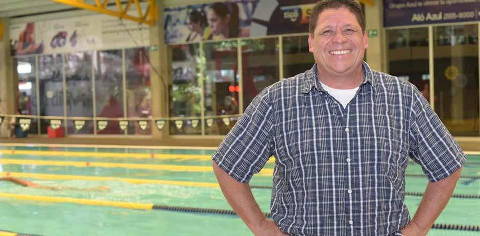 En El Salvador, un entrenador de natación donó plasma cinco veces para pacientes con Covid-19