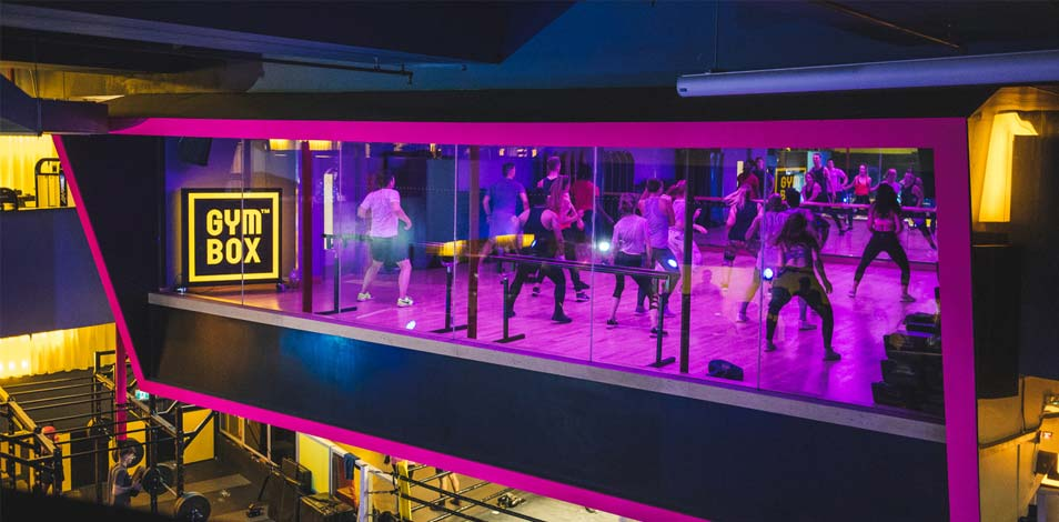La cadena inglesa Gymbox diseña y construye mini estudios en las casas de sus usuarios