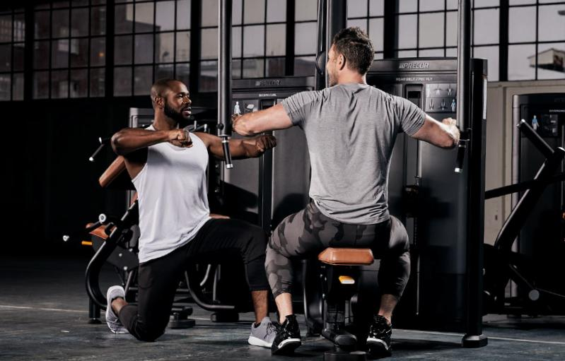 Precor presentó su nueva línea de equipamiento de fuerza Resolute Strength