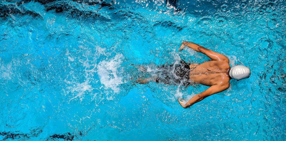 Si no sabe nadar, aprenda a rezar